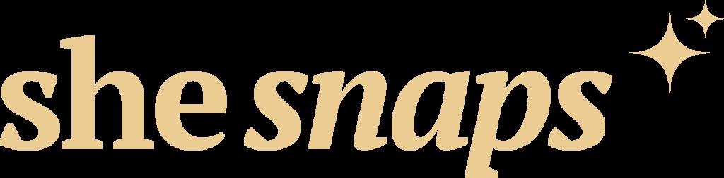 She Snaps Logo